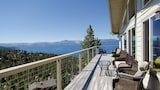 Lake View 6 Br home by RedAwning - Zephyr Cove Hotels