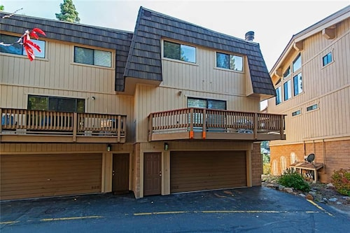 Incline Village Vacation 3 Br condo by RedAwning