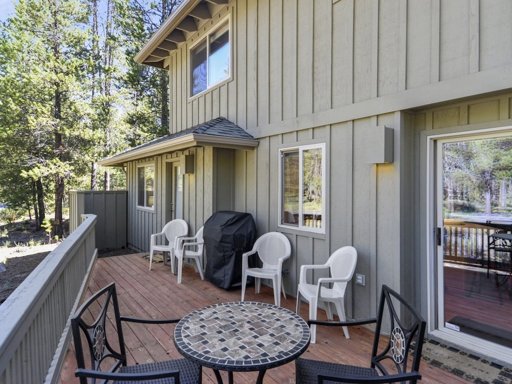 Ashwood 1 3 br home by redawning deals reviews sunriver for Ashwood homes