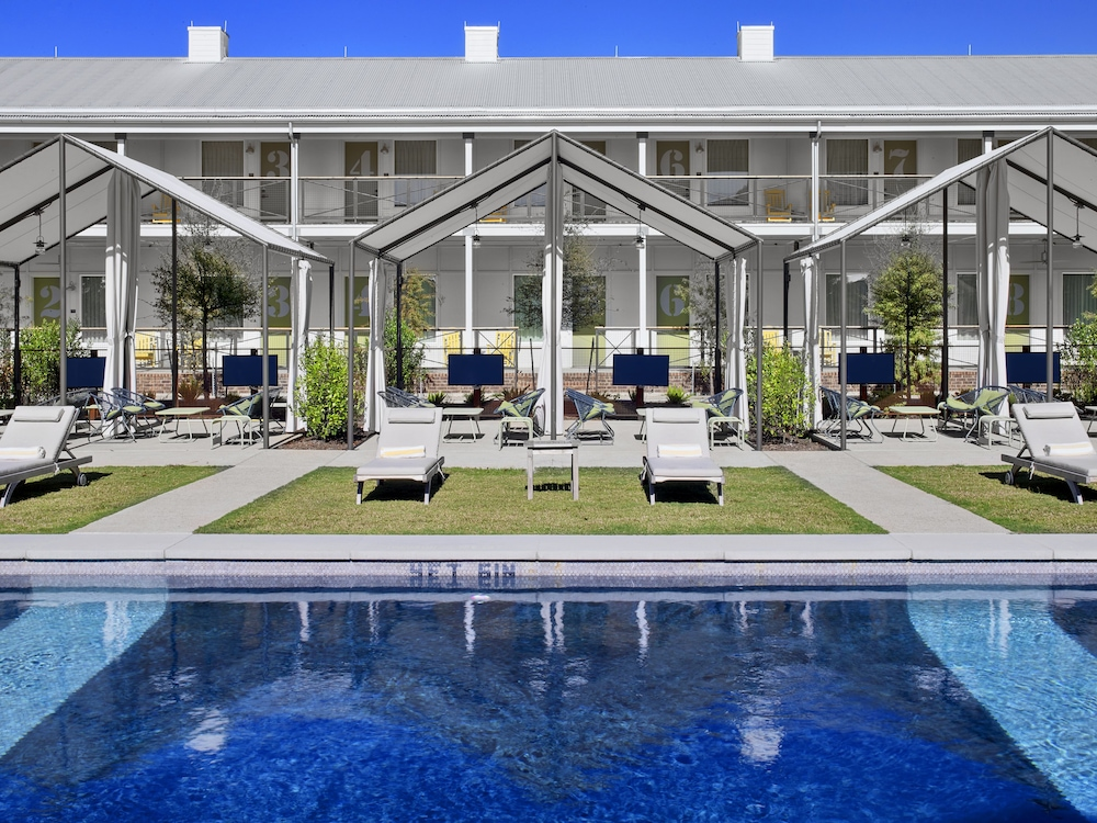 Outdoor Pool, Cavalry Court, by Valencia Hotel Group
