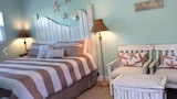 Starfish Cottage - Fort Myers Beach Hotels