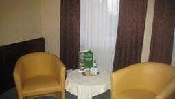 Hotel Schone Aussicht Weissenfels Hotelbewertungen 2019 Expedia De