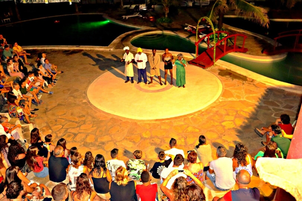 Theater Show, Lily Palm Resort
