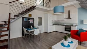Kühlschrank, Mikrowelle, Ofen, Herdplatte