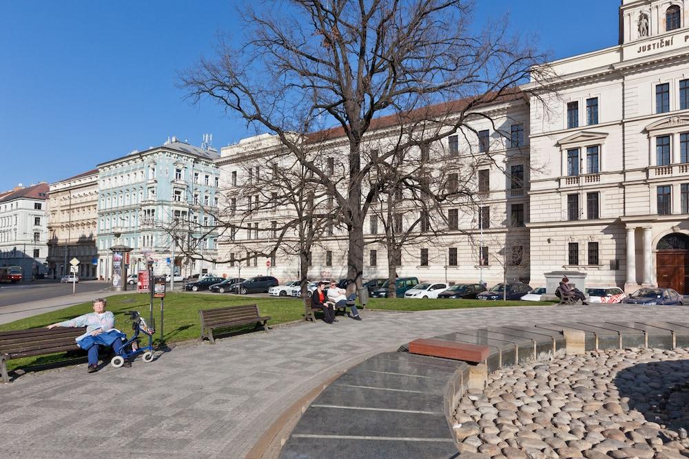 Book royal prague city apartments prague hotel deals for Prague city hotel