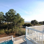 18 Sand Dollar Road Oceanfront 7 Br home by RedAwning
