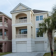 38 Crabline Court Pet Friendly Pool 5 Br home by RedAwning