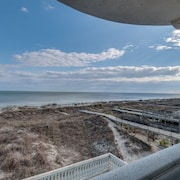 6 Collier Beach Road Oceanfront 6 Br home by RedAwning