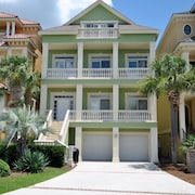 93 Singleton Beach Rd Oceanview 5 Br home by RedAwning