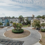 48 Crabline Court Near Ocean 5 Br home by RedAwning