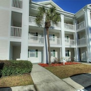 River Oaks 3 D 2 Br condo by RedAwning