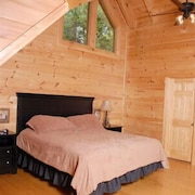 Wine Down 4 Br cabin by RedAwning