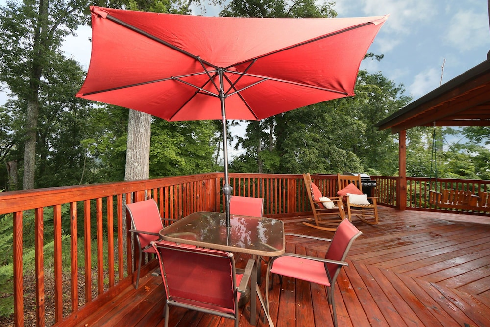 Book round about 2 br cabin by redawning sevierville for 37862 vessing terrace