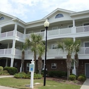 Ironwood 833 2 Br condo by RedAwning