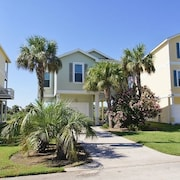 Beach Blast 3 Br home by RedAwning