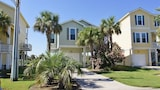 Beach Blast 3 Br home by RedAwning - Galveston Hotels