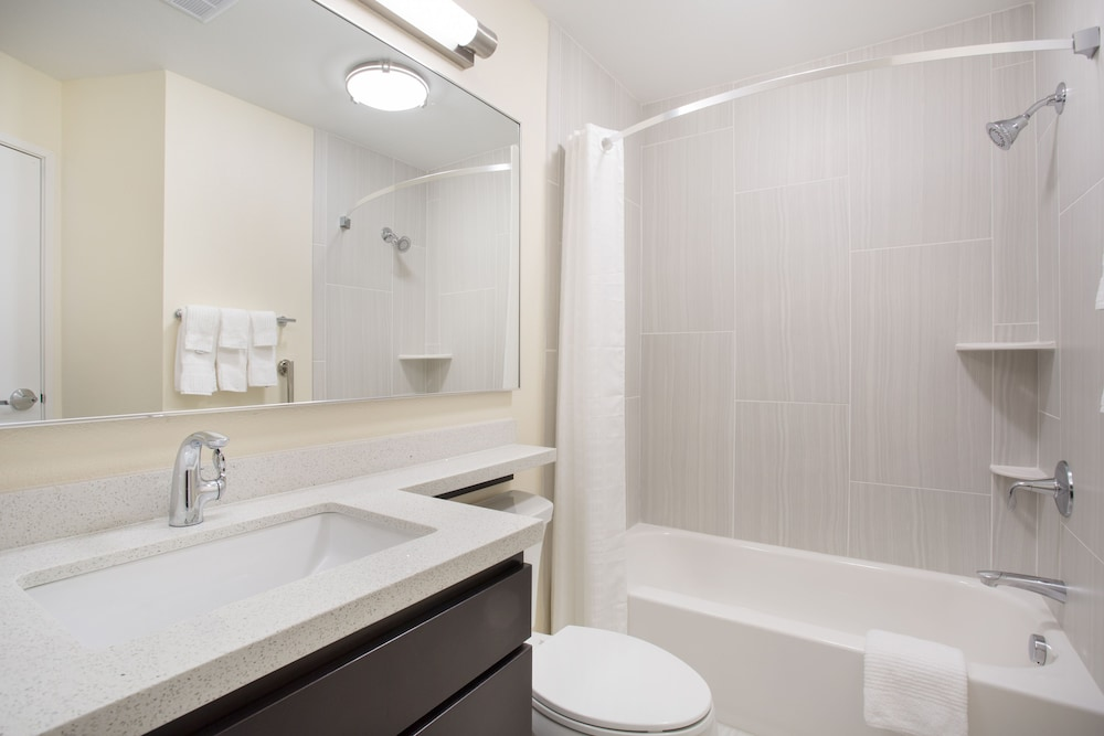 Bathroom, Candlewood Suites Longmont