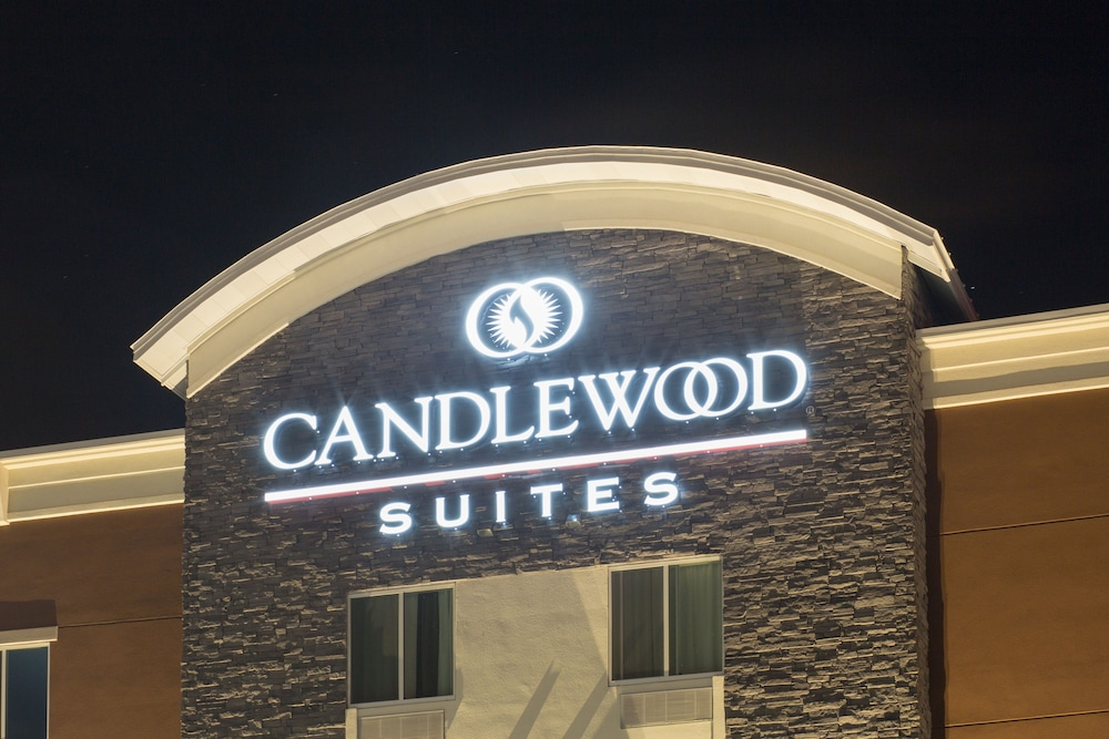 Front of Property - Evening/Night, Candlewood Suites Longmont