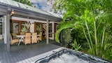 Bottlebrush Cottage - Byron Bay Hotels