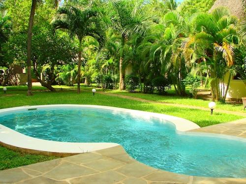 Pet Friendly Hotels in Central Kenya Coast: $30 Dog Friendly Hotels