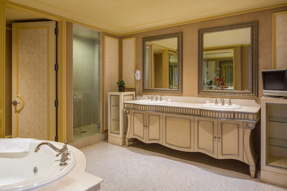 Bathroom, Showboat Hotel