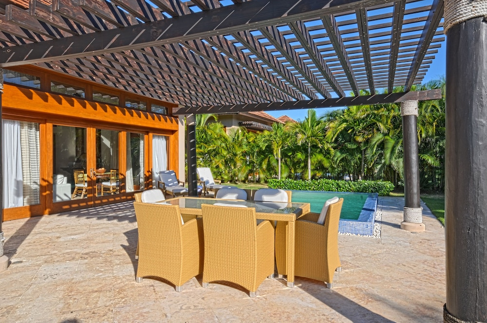 The villas at cap cana by alsol in punta cana hotel for Villas en punta cana