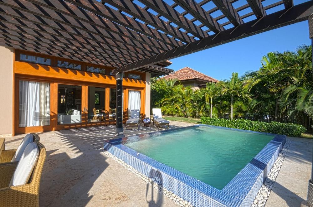 The villas at cap cana by alsol reviews photos rates for Villas en punta cana