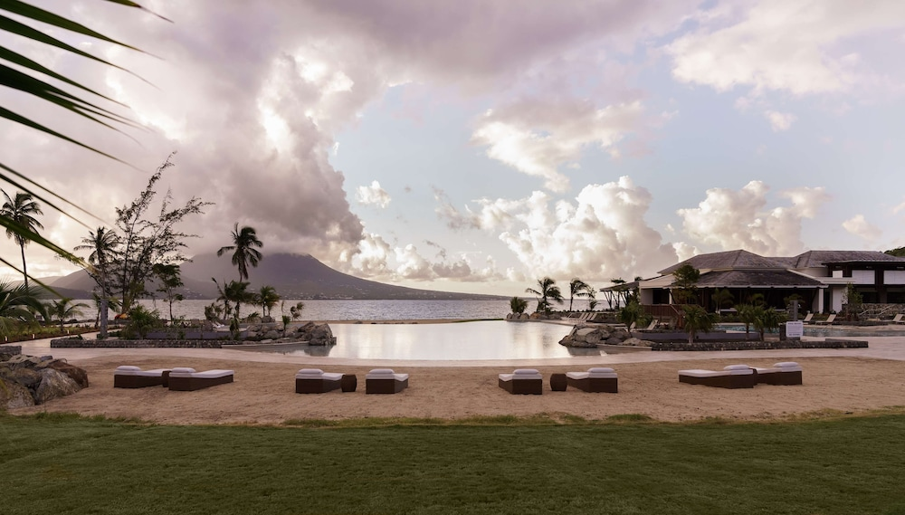 Pool, Park Hyatt St. Kitts