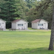 Twin Lakes Lodge