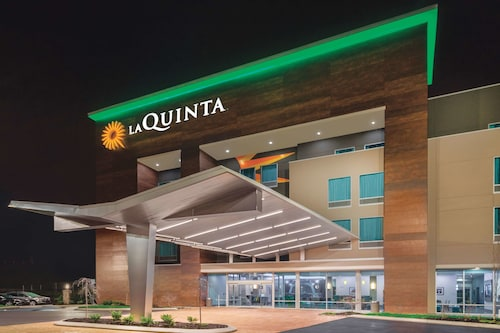 La Quinta Inn & Suites by Wyndham Cleveland TN