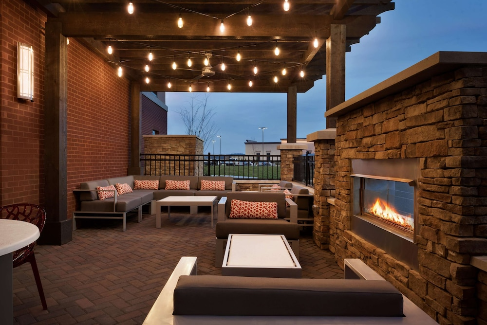 Terrace/Patio, Hampton Inn Spring Hill