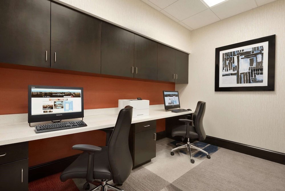 Business Center, Hampton Inn Spring Hill