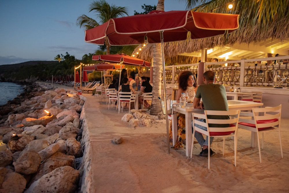 Outdoor Dining, Oasis Coral Estate Beach, Dive & Wellness Resort