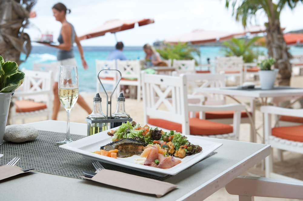Food and Drink, Oasis Coral Estate Beach, Dive & Wellness Resort