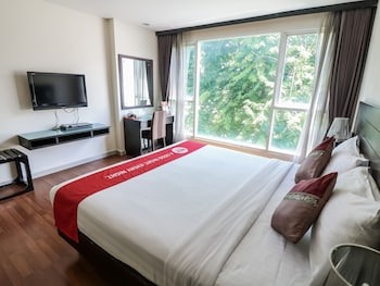 NIDA Rooms NaNa le Metro Sukhumvit Soi 4 at Boss Suites Nana