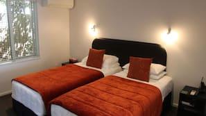 熨斗/熨衫板、免費嬰兒床、免費 Wi-Fi、床單
