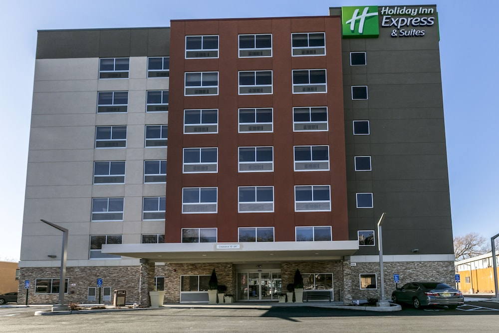 Featured Image, Holiday Inn Express & Suites Jersey City North - Hoboken