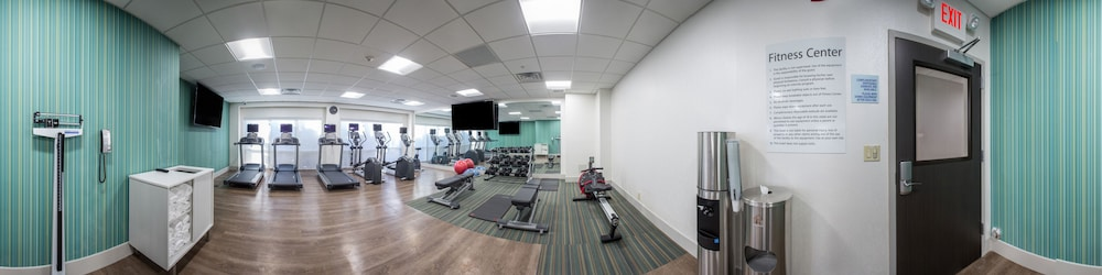 Gym, Holiday Inn Express & Suites Jersey City North - Hoboken