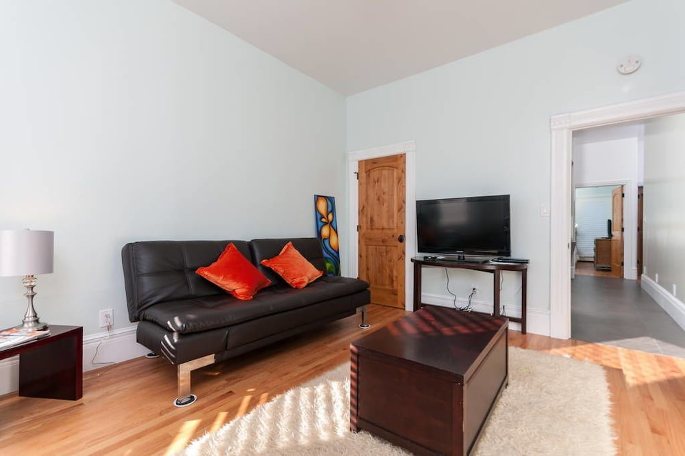 Stunning 1 Bedroom Flat Oakland United States Expedia