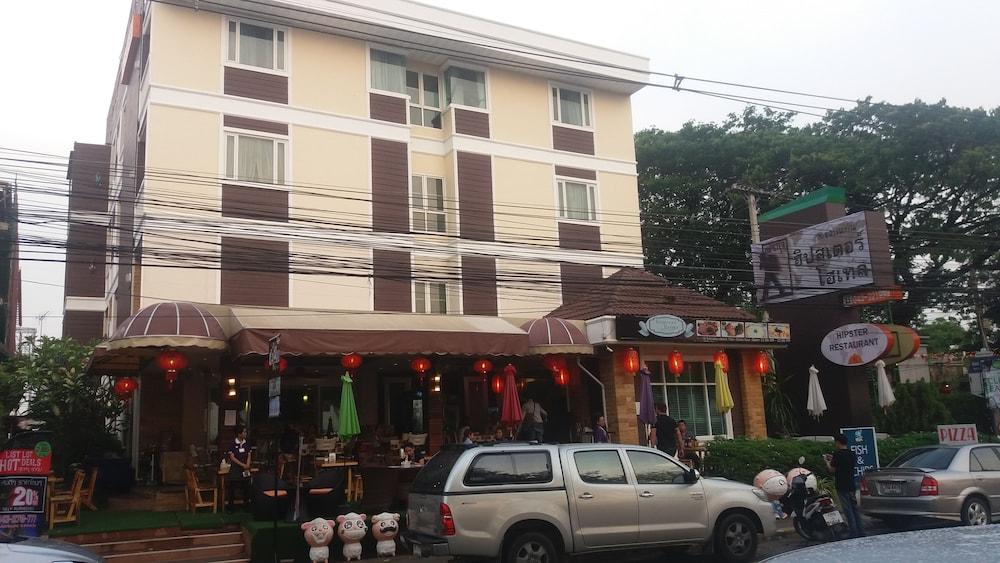 Khonkaen hipster hotel khon kaen tha for Hipster hotel