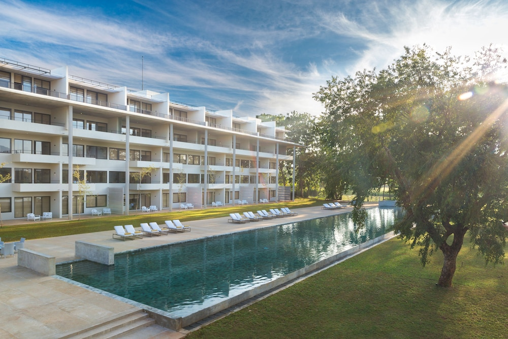 Book jetwing lake dambulla hotel deals - Grand hotel sri lanka ...
