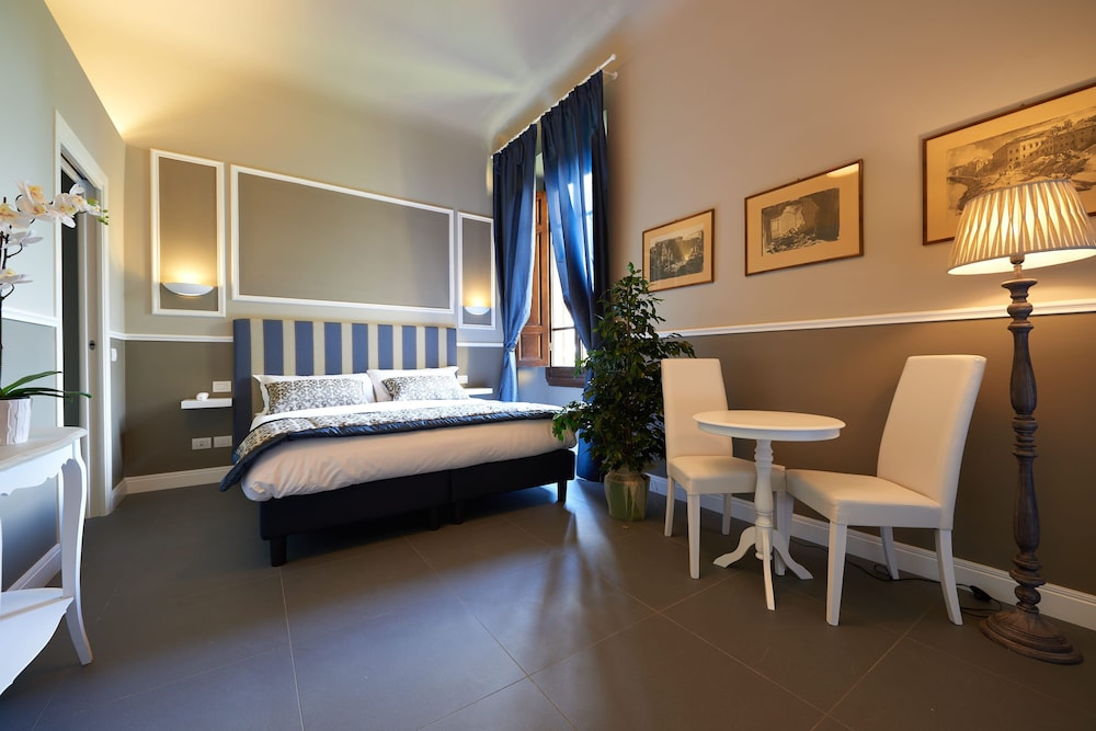Room, My Guest In Florence
