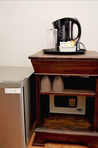 Coffee and/or Coffee Maker, Barnstormers Rest