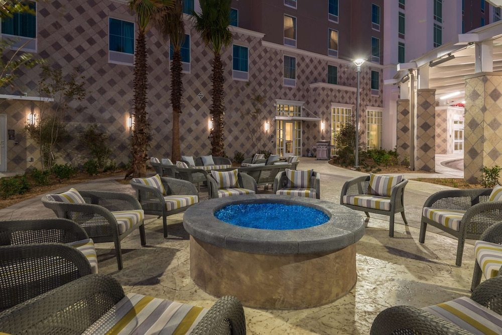 Terrace/Patio, Hampton Inn & Suites Tampa Airport Avion Park Westshore