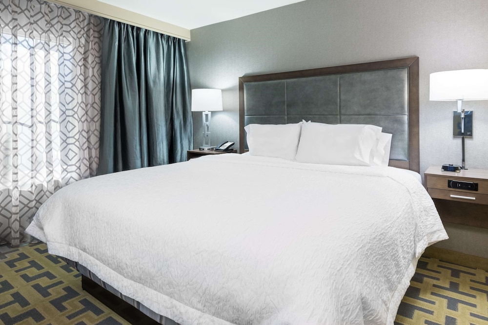 Room, Hampton Inn & Suites Tampa Airport Avion Park Westshore