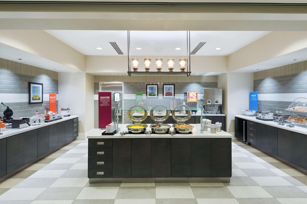 Restaurant, Hampton Inn & Suites Tampa Airport Avion Park Westshore