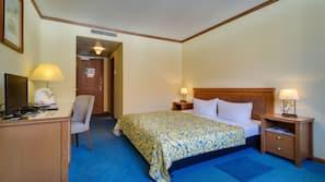 Hochwertige Bettwaren, Minibar, Schreibtisch, schallisolierte Zimmer