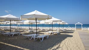 Privatstrand, weißer Sandstrand, kostenloser Shuttle zum Strand