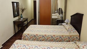 1 bedroom, hypo-allergenic bedding, individually furnished, desk
