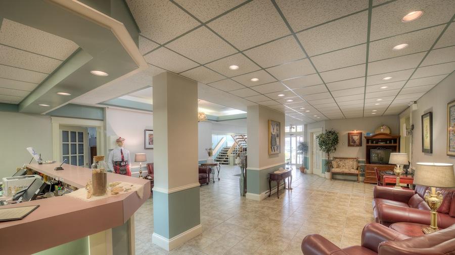 Claymore inn & Suites